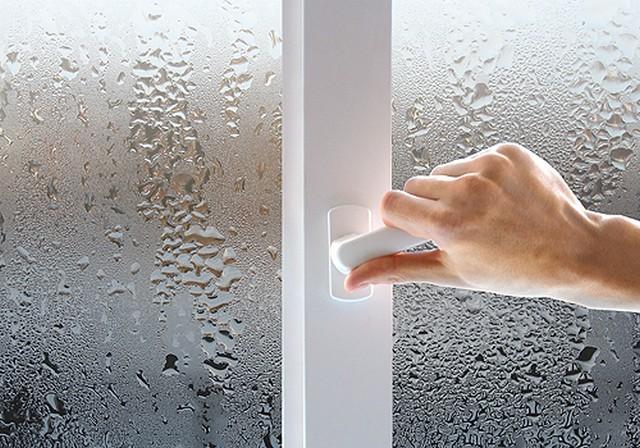 Когда запотевают пластиковые окна что делать